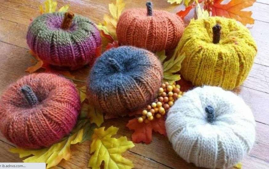 Pumpkin makers, be warned: Adorable Knitted pumpkins Are Waiting For You